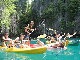 Hong Kong tourists Kayaking in El Nido