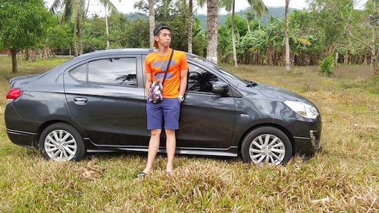 Good Samaritan GrabCar driver receives praise for charity
