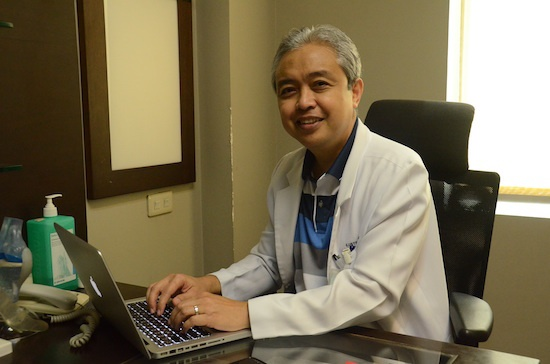 Pinoys develop better, cheaper knee surgical technique