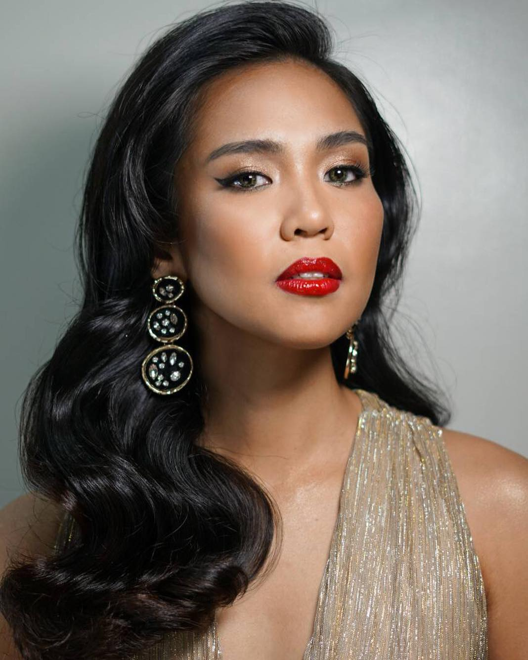 miss saigon bar with Aicelle Santos Bags Major Role In Uk Production Of Miss Saigon on Saigon Bar Girls L073jVJmDVUyEg5Tyu3bXg7OhjSndOY1gdogWC8BbNA likewise Lea Salonga besides Miss Saigon as well Perth Hotels Miss Maud Swedish Hotel h2738845 together with Recreating Cheers Bar Stage.