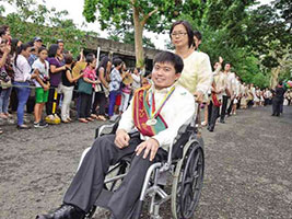 UPLB student overcomes disease graduates with honors