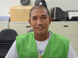 Honest NAIA porter shares reward money to workers