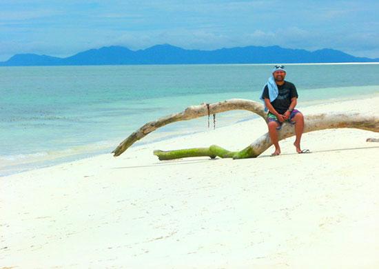 Mark Julius Estur in Onuk Island