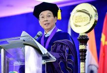 Jollibee founder Tony Tan Caktiong tips to new graduates