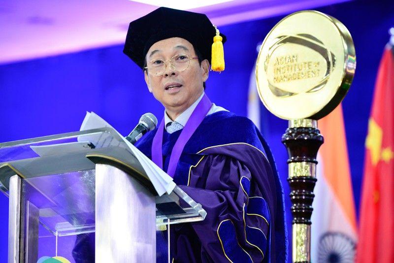 Tony Tan Caktiong inspires graduates to dream big