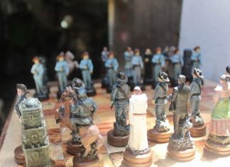 Lan Magboo Chess pieces