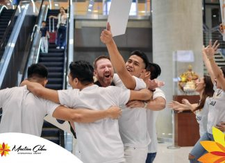 Free hugs at Mactan Cebu International Airport