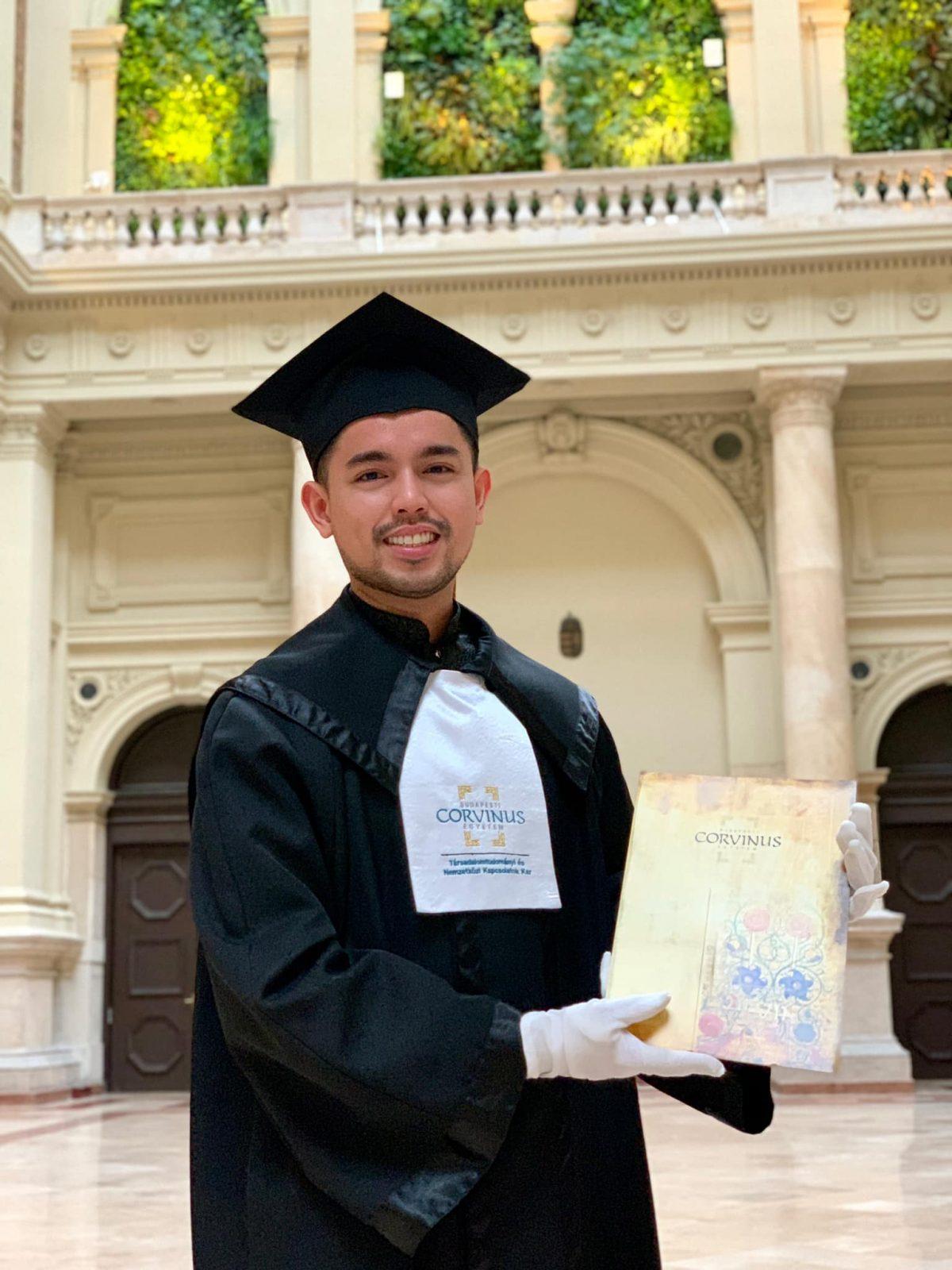 Filipino scholar Kent Tangcalagan