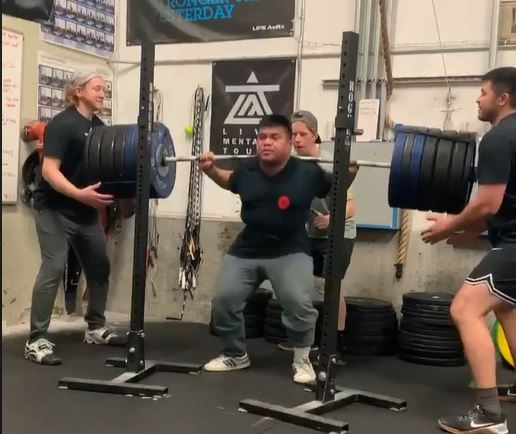 Jared Caguiat weightlifting