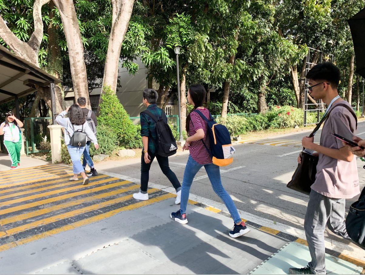 La Salle Dasmariñas electricity-generating pedestrian