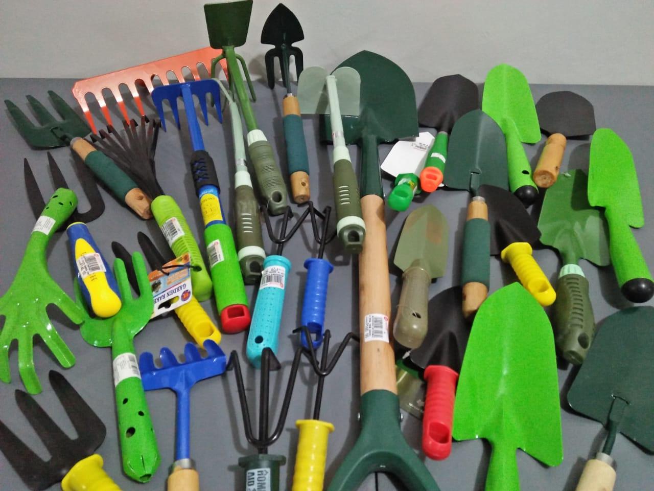 Lead-Free Gardening Tools