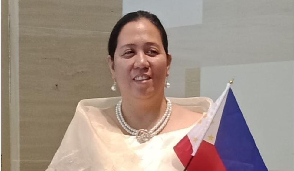 Noemi Baysa Filipino public school