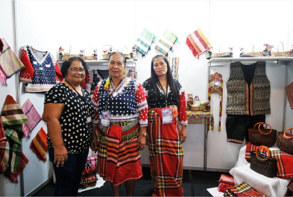 Filipino women social entrepreneurs